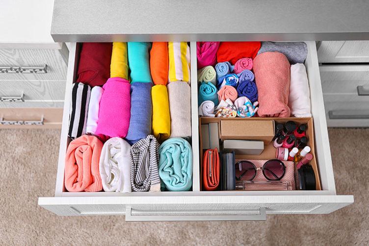 Tiroir vêtements rangés façon Konmari